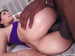 This chick didn?t want to take a monster cock the typical way, she insisted on anal. Valentina Nappi takes a enormous beast right in the ass.