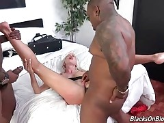 Rico Strong and JonJon have a very special spot in Los Angeles where they like to pick up girls