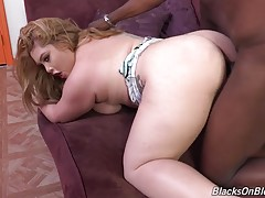 Where the fuck is the creampie?! A bbw like this should have been filled to the brim with spunk!